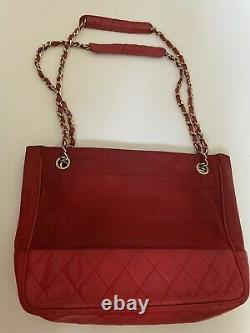 Chanel Chain Shoulder Bag Vintage Red Nylon Razor Women. With Authenticity Card