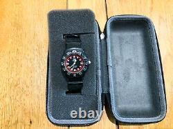 Vintage Tag Heuer Formula 1 Series 383.513/1 Black & Red Dial Black Rubber Strap