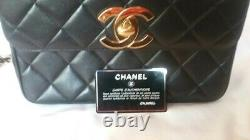 Authentique Chanel Black Quilted Lambskin Vintage Classic Single Flap Bag