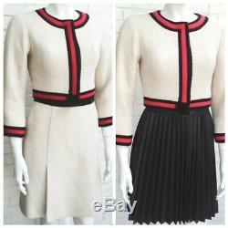 Chanel Vintage 01a Ecru Rouge Veste Noire Costume Jupe