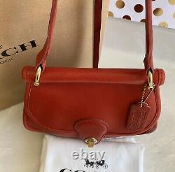 Coach Vintage Post Pouch Red Leather Crossbody Sac À Bandoulière USA Euc Rare