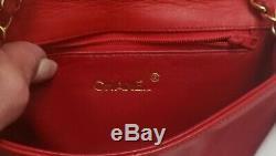 Hou La La! Vintage Rare Chanel En Cuir Rouge Sac À Bandoulière À Rabat Du Bracelet Chain