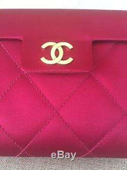Mini Pochette Vintage Chanel Authentique En Satin Rouge
