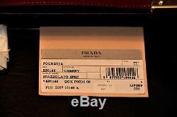 Prada Neiman Marcus 100ème An. Laiton Cerise Bourse D'embrayage Withstrap Super Rare
